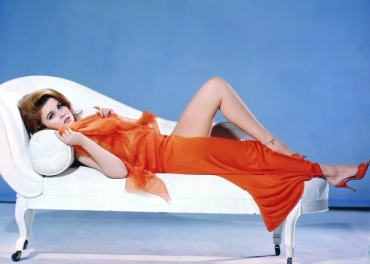 Ann-Margret  sofa   .jpeg